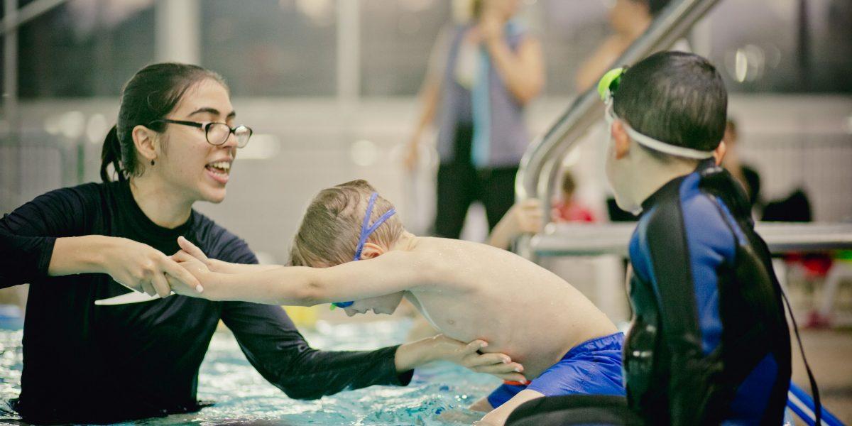 לימוד קפיצת ראש על המים בתנועת חץ